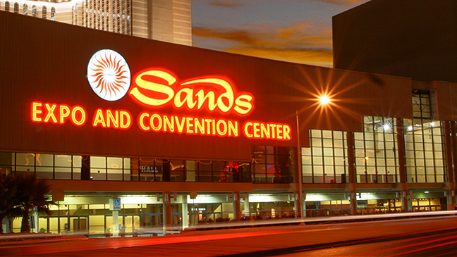 Limo Service to Country Christmas Show at Sands Expo